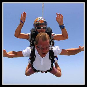 jonny-skydiving-living-the-dream